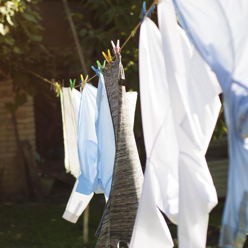 Kapsułki do prania czy proszek do prania? Wady i zalety obu rozwiązań